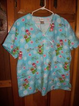 #kc LADIES SCRUB TOP SIZE XL MUPPETS CHRISTMAS in Fort Hood, Texas