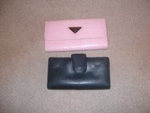 2 womens wallets in Fort Riley, Kansas
